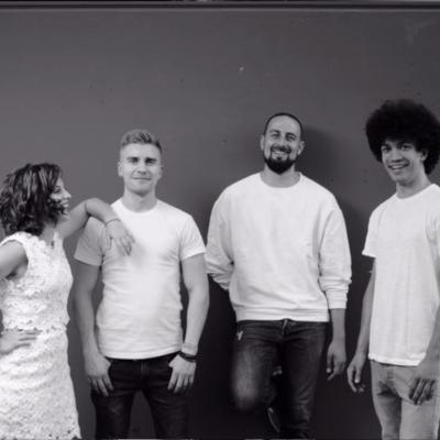 Schwarz weißes Bandfoto von EPI music